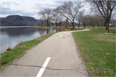 Trail Around Winona's West Lake
